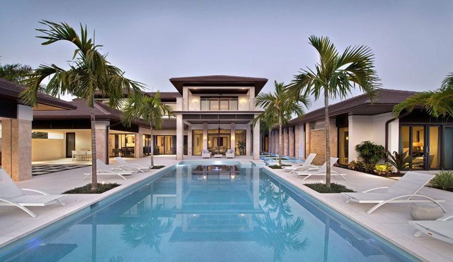 30 favolose ville da sogno con piscina dimore di lusso for Ville classiche moderne