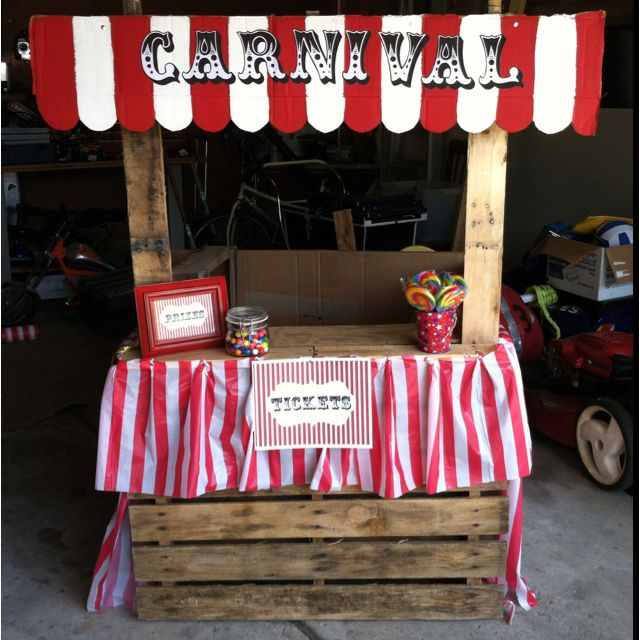 Pallet ticket booth for a carnival party