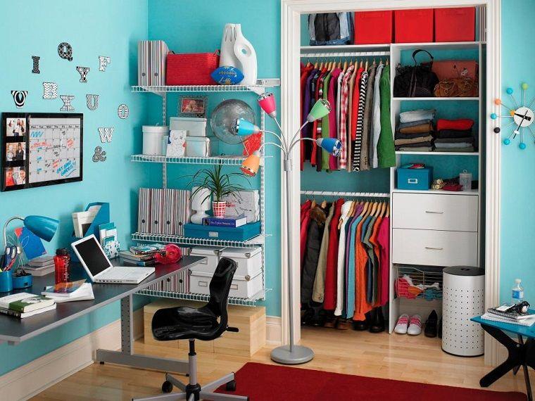 muchas estanterias y armario bien areglado | Dormitorios juveniles ...