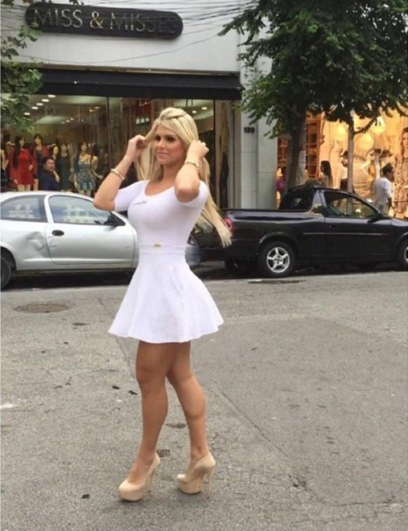 julia nunes big booty & big boobs blonde | girls & cars | pinterest