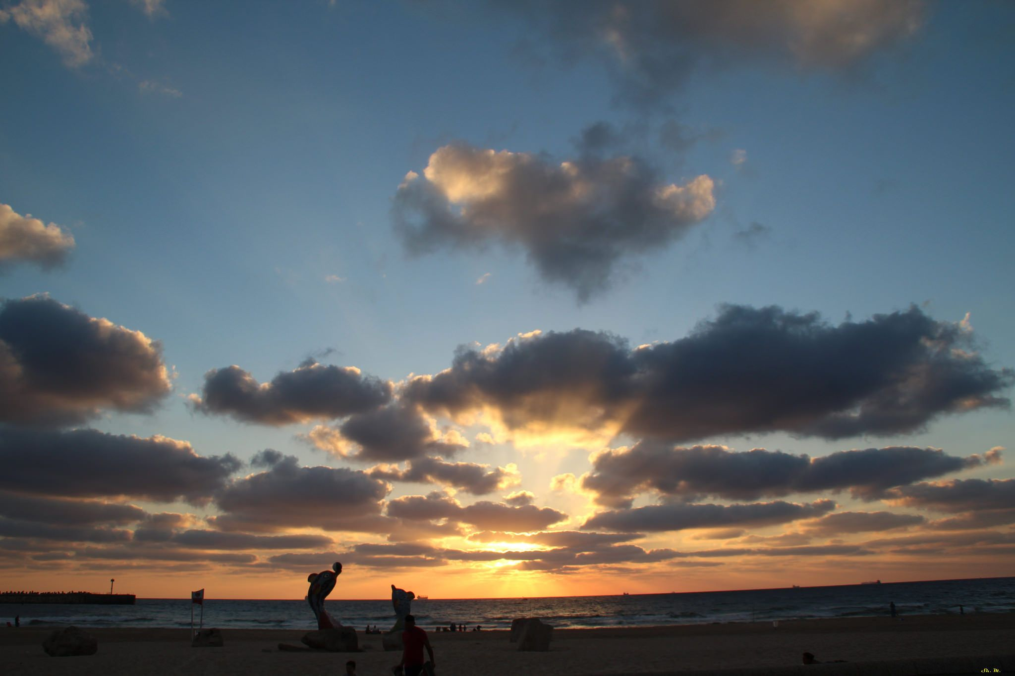 https://flic.kr/p/x948QE | Sunset | The coast of Ashdod, Israel. 2015.