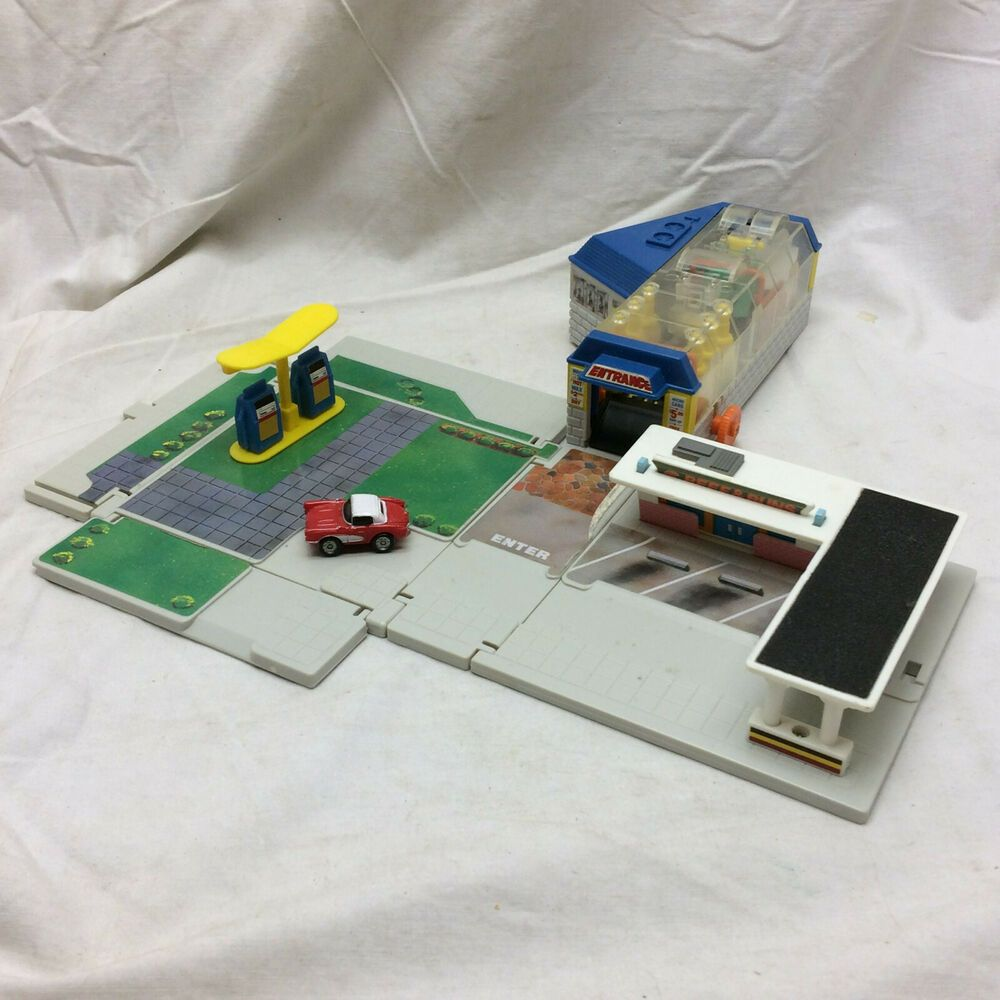 1989 Toy Micro Machines Set Up Car Wash Store by Lewis
