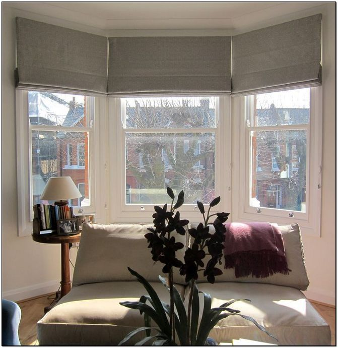 35 Best Simple Curtain Bay Window Inspiration Roman Blinds Living Room Bay Window Living Room Curtains With Blinds