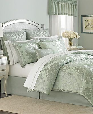 Martha Stewart Collection Regal Damask 24 Piece Queen
