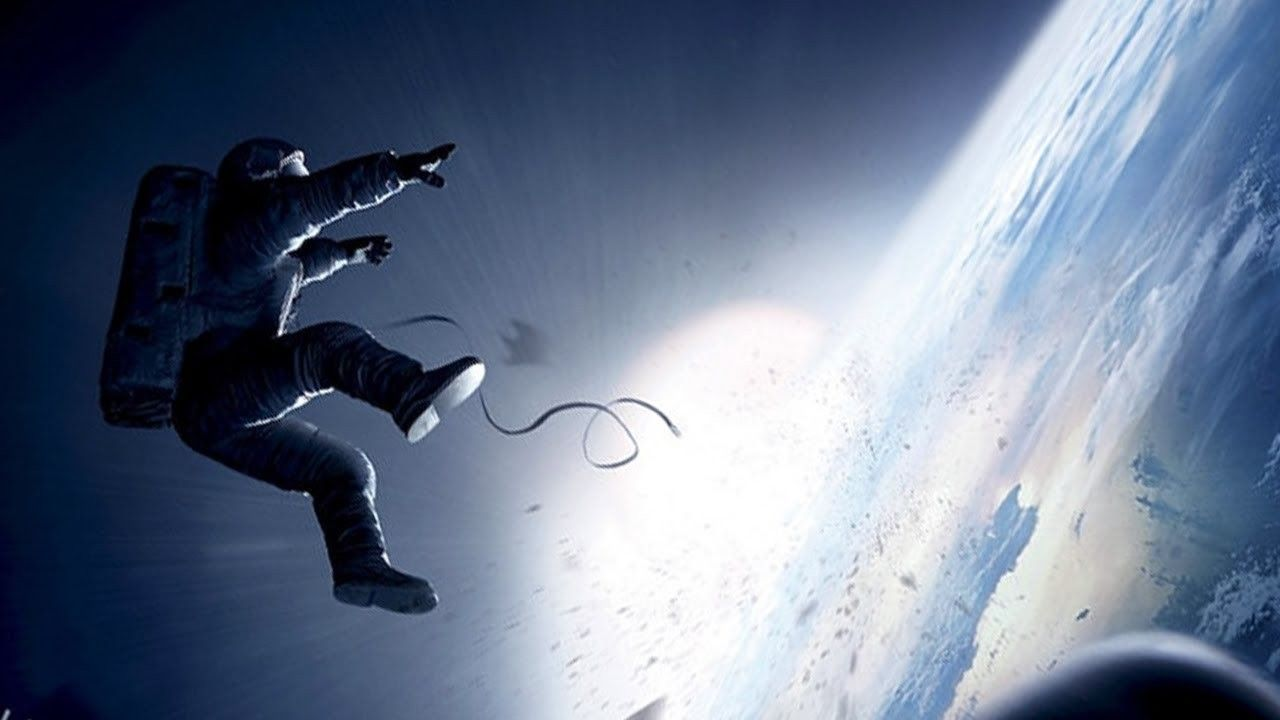 """James Cameron: Gravity Is the """"Best Space Film Ever ..."""