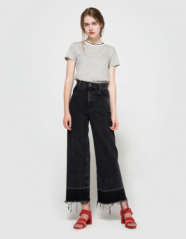 547b4675 From Rag And Bone, a lightweight tee in Bright White, Heather Grey or Plum  Red. Featuring a ribbed collar with rolled edge, short sleeves, straight  hem and ...