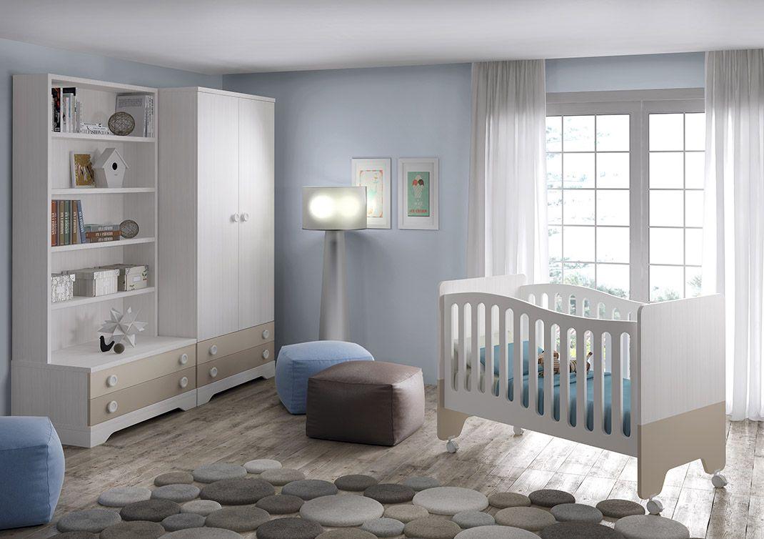 Dormitorio infantil fabricado en madera sintética compuesto por: cuna con barandilla y ruedas, comodín de 105 cm con 2 cajones, armario 2 puertas y 2 cajones y estantes con columnas montantes y trasera. Disponible en varios colores.