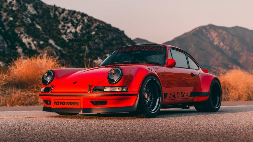 The Engine Now Packs A Turbo And Sends 400 Horsepower To The Wheels Rauh Welt Begriff S Akira Nakai Travel S Th Porsche 911 Porsche 911 Carrera Vintage Porsche