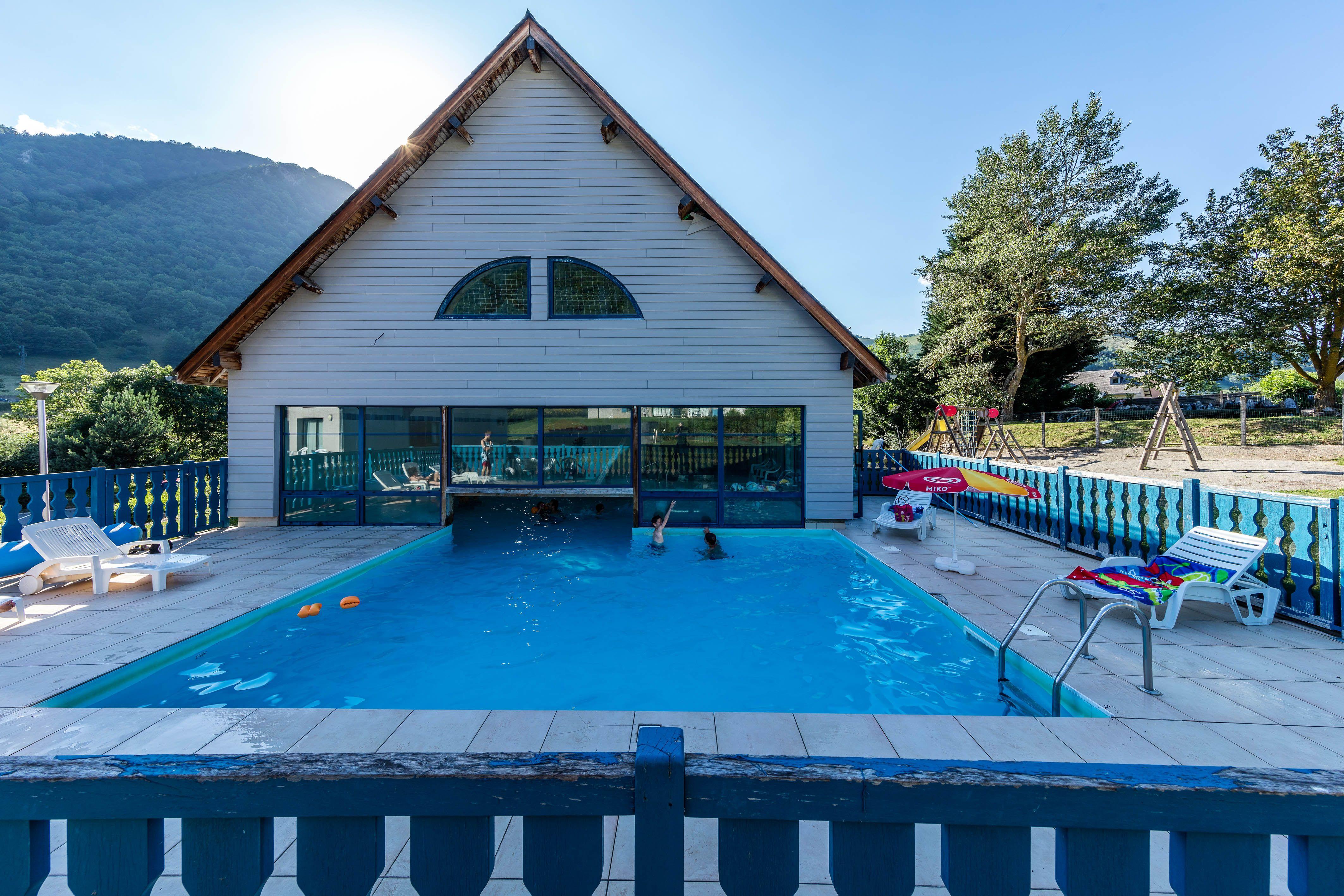 La piscine de la résidence Les Trois Vallées*** ©Robert Palomba Photographe | Vallée, Sejour ...