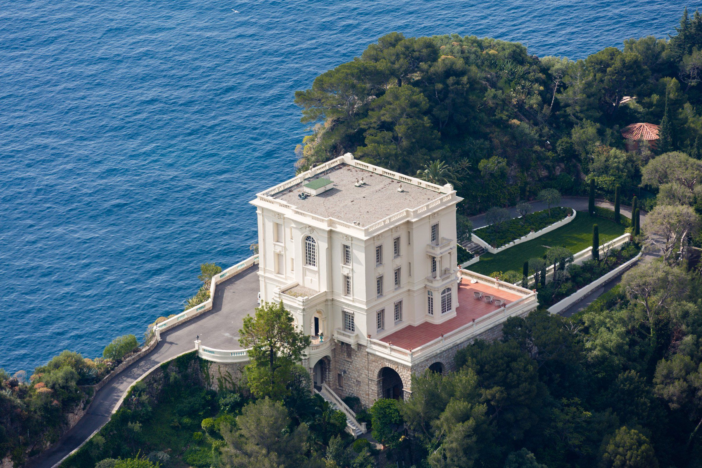 A Monte Carlo villa that Karl Lagerfeld occupied for over a decade ...