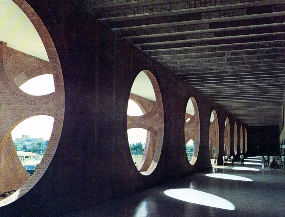 Louis Kahn in Dacca. Article in Domus from 1975. Two of Louis ...
