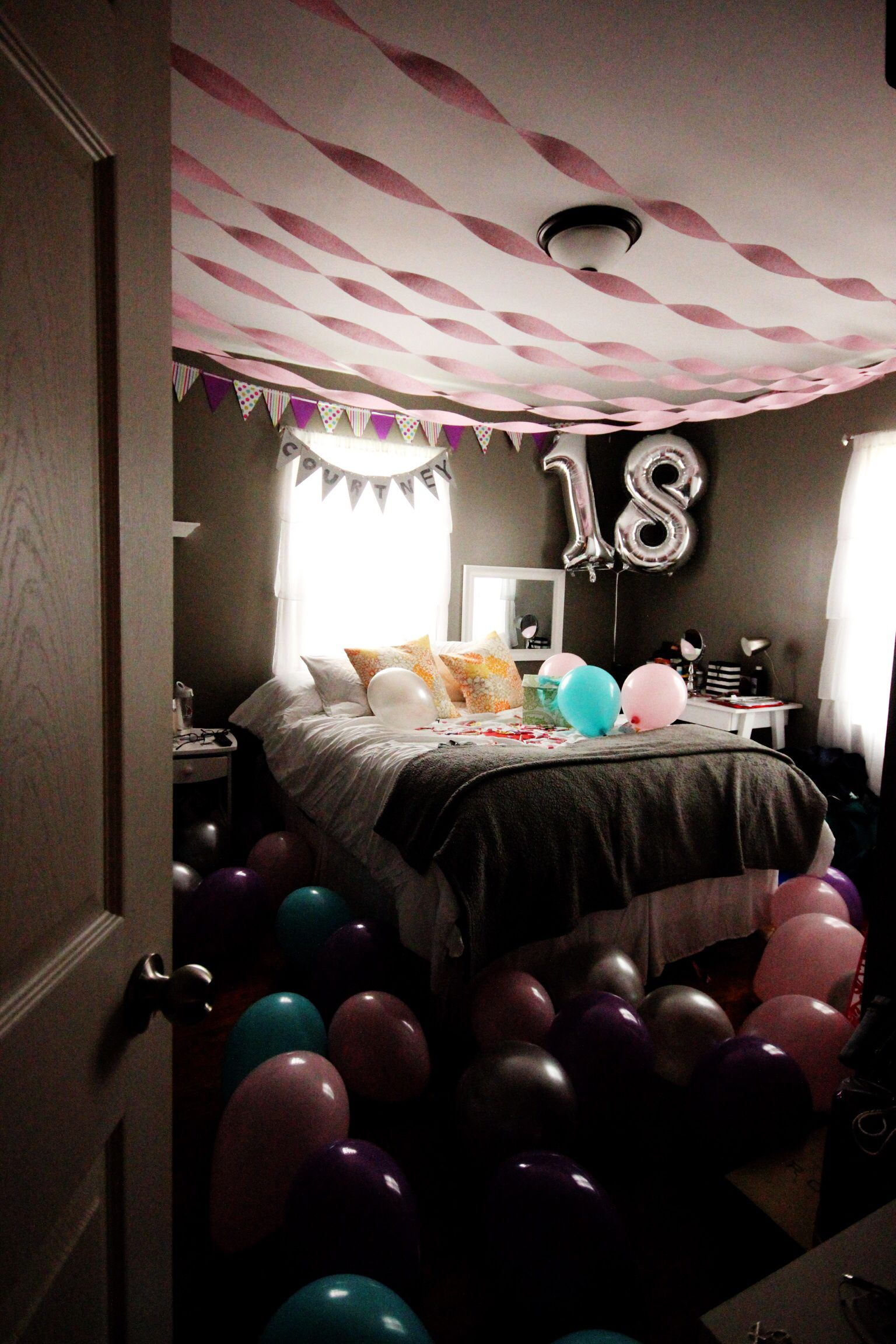 Bedroom surprise for birthday it 39 s me kiersten marie for 17th birthday decoration ideas