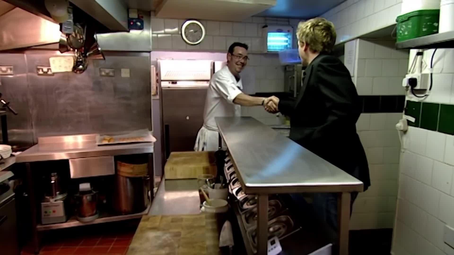Ramsay S Kitchen Nightmares Rococo Maggie S Closed Kitchen Nightmares Ramsay Chef Gordon Ramsay