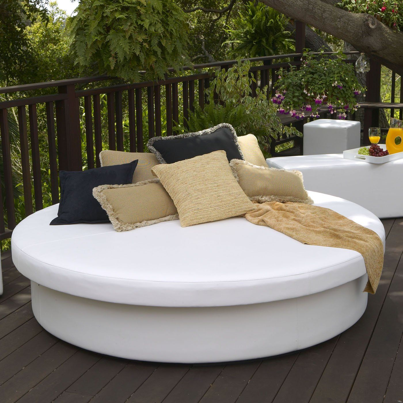 La-Fete Designs SUN PAD Outdoor Sun Round Resort Daybed - ATG Stores