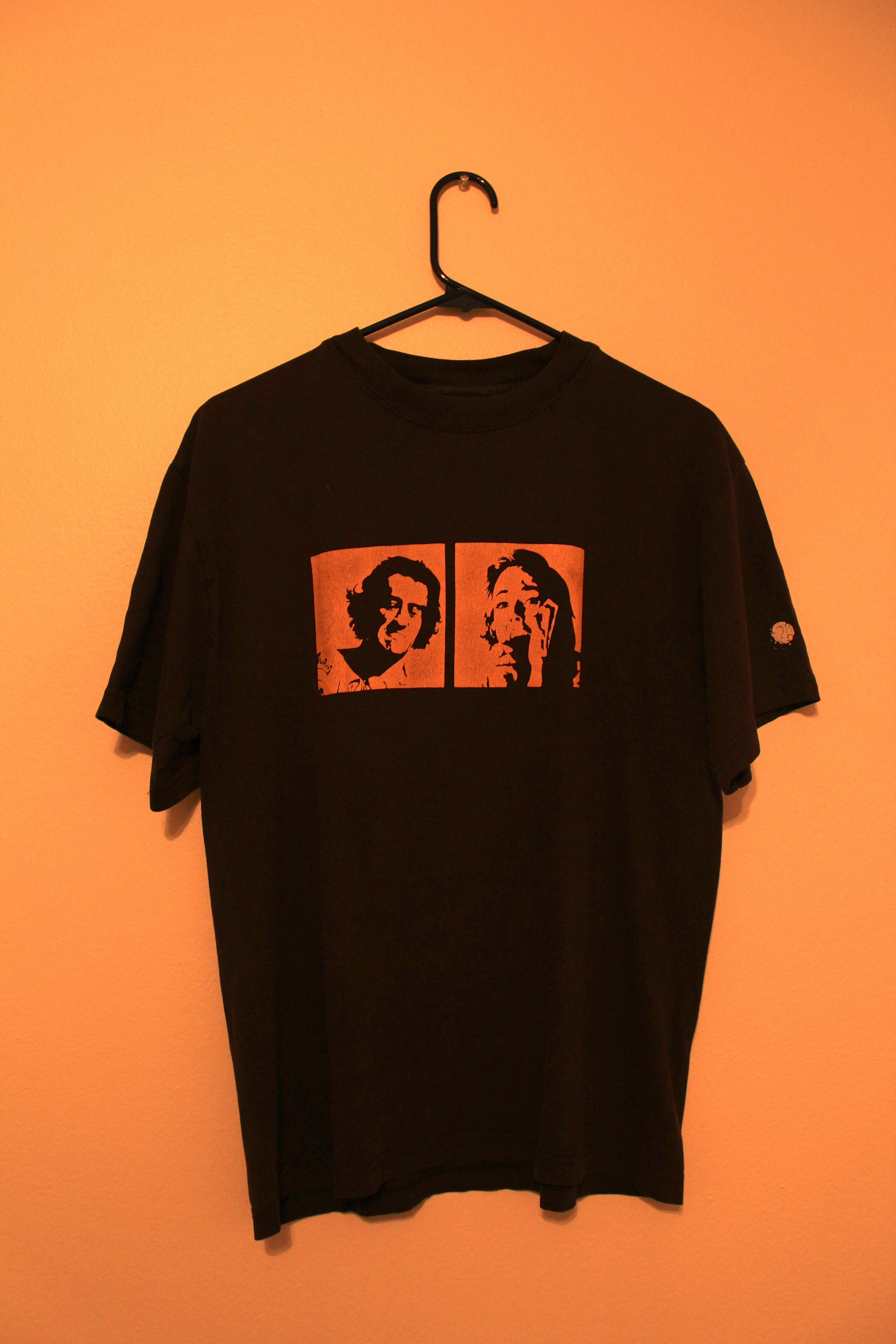"""A shirt with a very simple but effective design. The images belong to scenes from the movies: """"Cape Fear"""" and """"Psycho"""""""