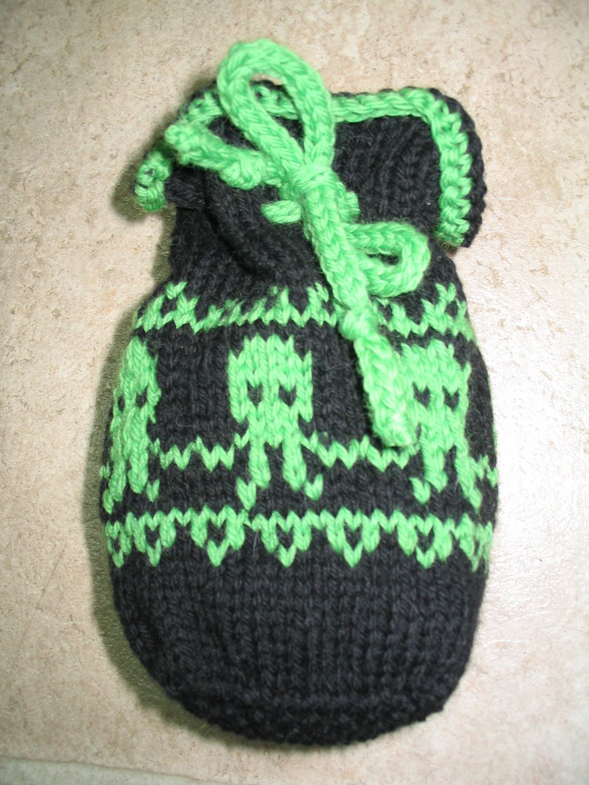 Quiver in fear knitted cthulhu dice bag pattern stuff to knitted cthulhu dice bag pattern bankloansurffo Choice Image