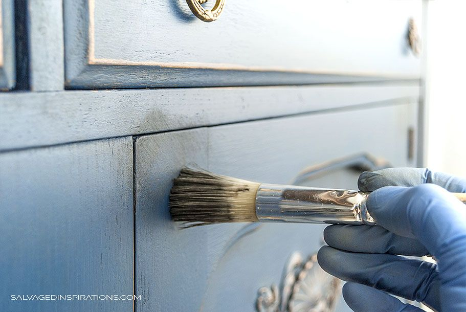 Blue Buffet & Dixie Belle Paint Giveaway! is part of Chalk paint buffet, Dixie belle paint, Blue chalk paint, Patina paint, Chalk paint furniture, Painted buffet - Happy Monday friends! I hope you all had a great weekend  I'm so excited to share this Blue Buffet Makeover with you today AND a generous giveaway sponsored by Dixie Belle Paint Company! I picked this piece up from a young German family