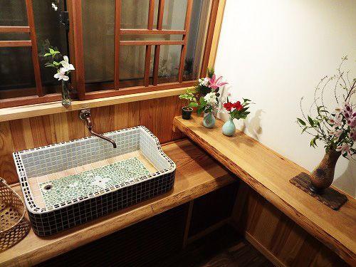 Diy タイルを貼って作る お洒落に生まれ変わるキッチンや洗面台や