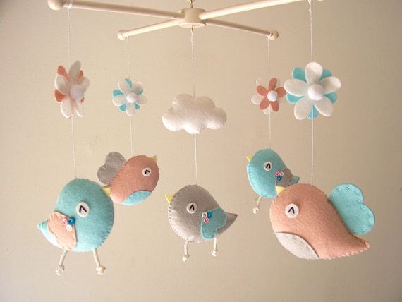 bc33173ff7132 Very sweet baby mobile. Birds is another good idea because they already fly.