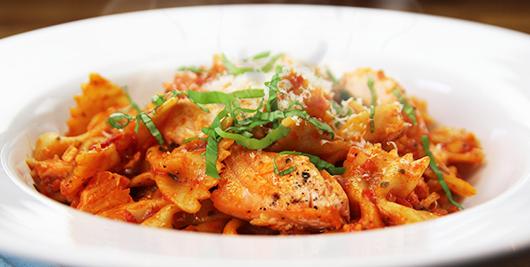 Salmon & Tomato Pasta - Napolina Recipe.