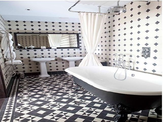 Lovely Black And White Bathroom Floor Tile   DAMN! I Love This.