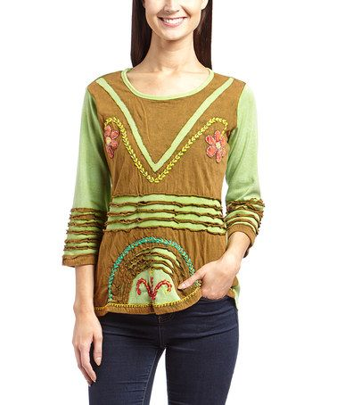 Green Floral Appliqué Scoop Neck Tee by Rising International