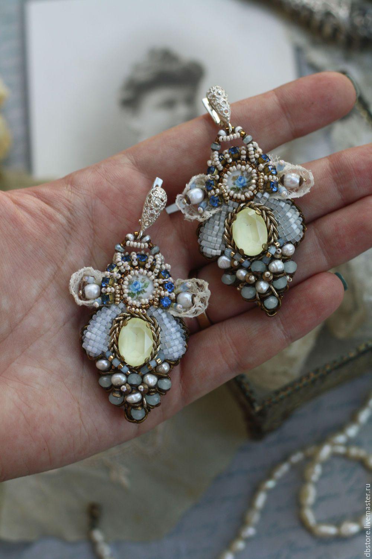 """Купить Серьги """"Помпадур"""" - голубой, серьги с жемчугом, серьги вышитые, серьги с кристаллами, вышивка ручная"""