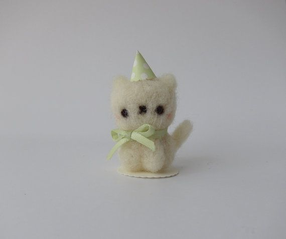 Etsy の Party Time Kitten of Needle Felted Wool by chetanddot