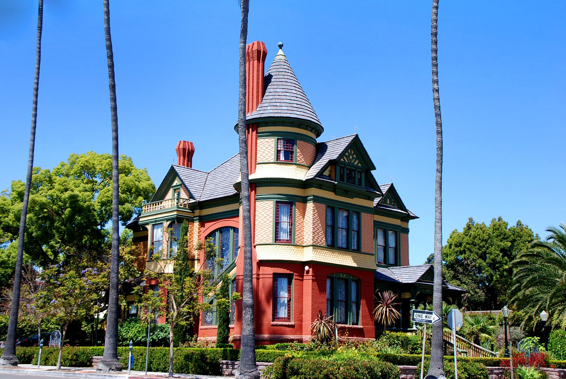 Our Magnificent Stay At Britt Scripps Inn In San Diego California Victorian Style Homes Victorian Homes Queen Anne House