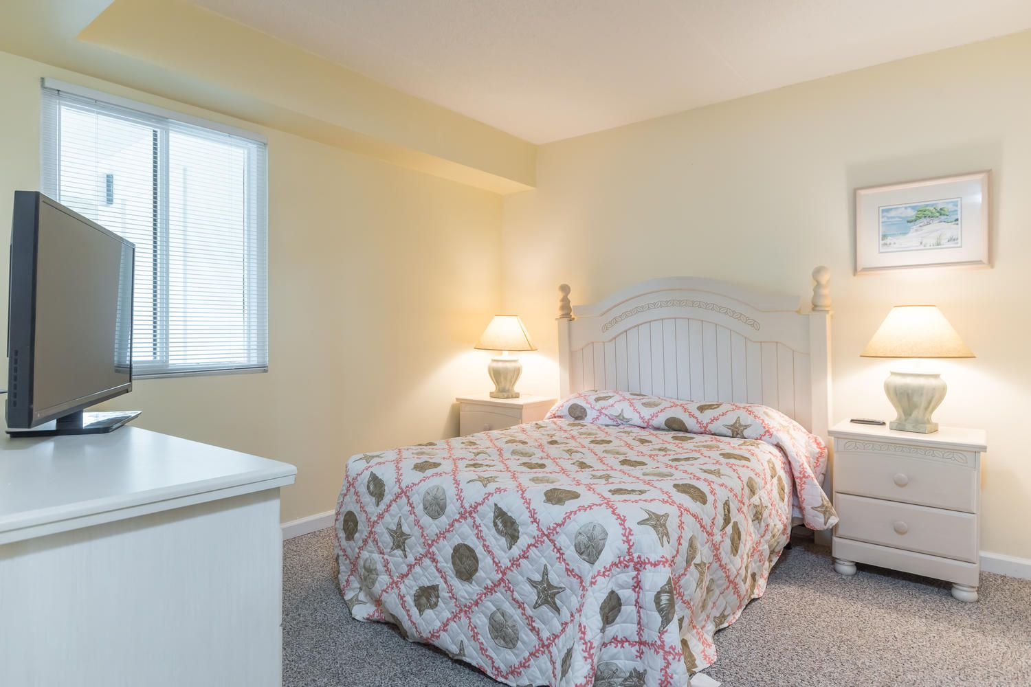 Hall bedroom Home decor, Guest bedroom, Two twin beds