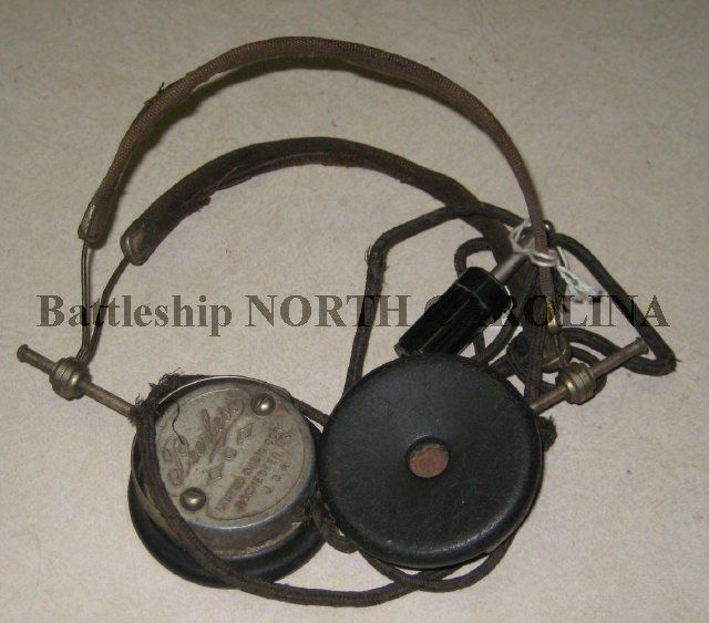 c1c9d0972fa Set of radio headphones (headset) from an unknown date, probably 1940s.  Made by Peerless, United Radio Corporation, Rochester, NY. Black bakelite  ear pieces ...