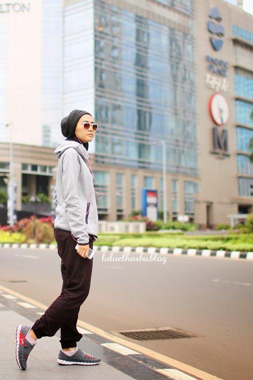Beragam Busana Adat Nusantara Ramaikan CFD Jakarta - Info Car Free Day