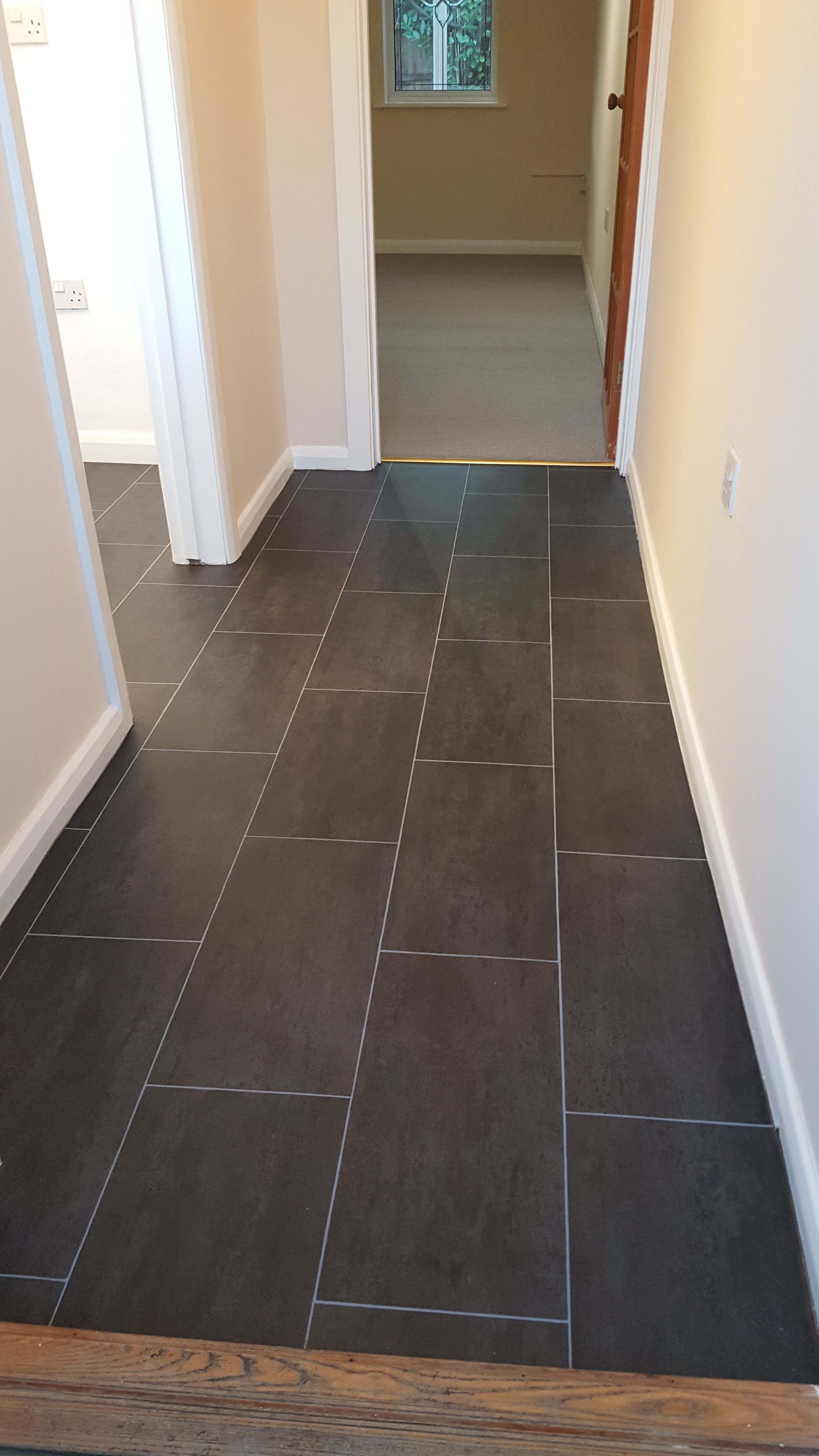 Slate Tile Vinyl Flooring Fitted In One Piece To Hallway And Kitchen Luxury Vinyl Tile Flooring Vinyl Flooring Bathroom Vinyl Flooring
