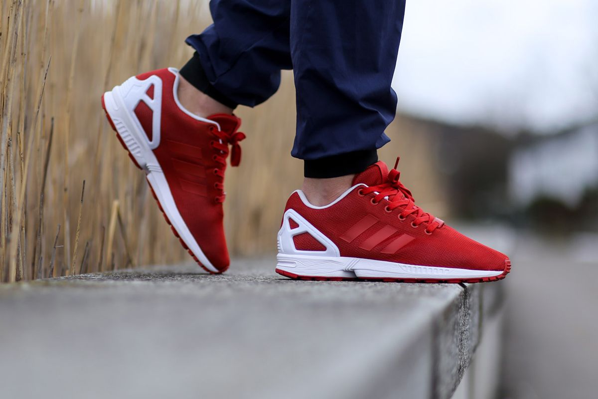 de34c4c1c99f adidas triple red zx flux