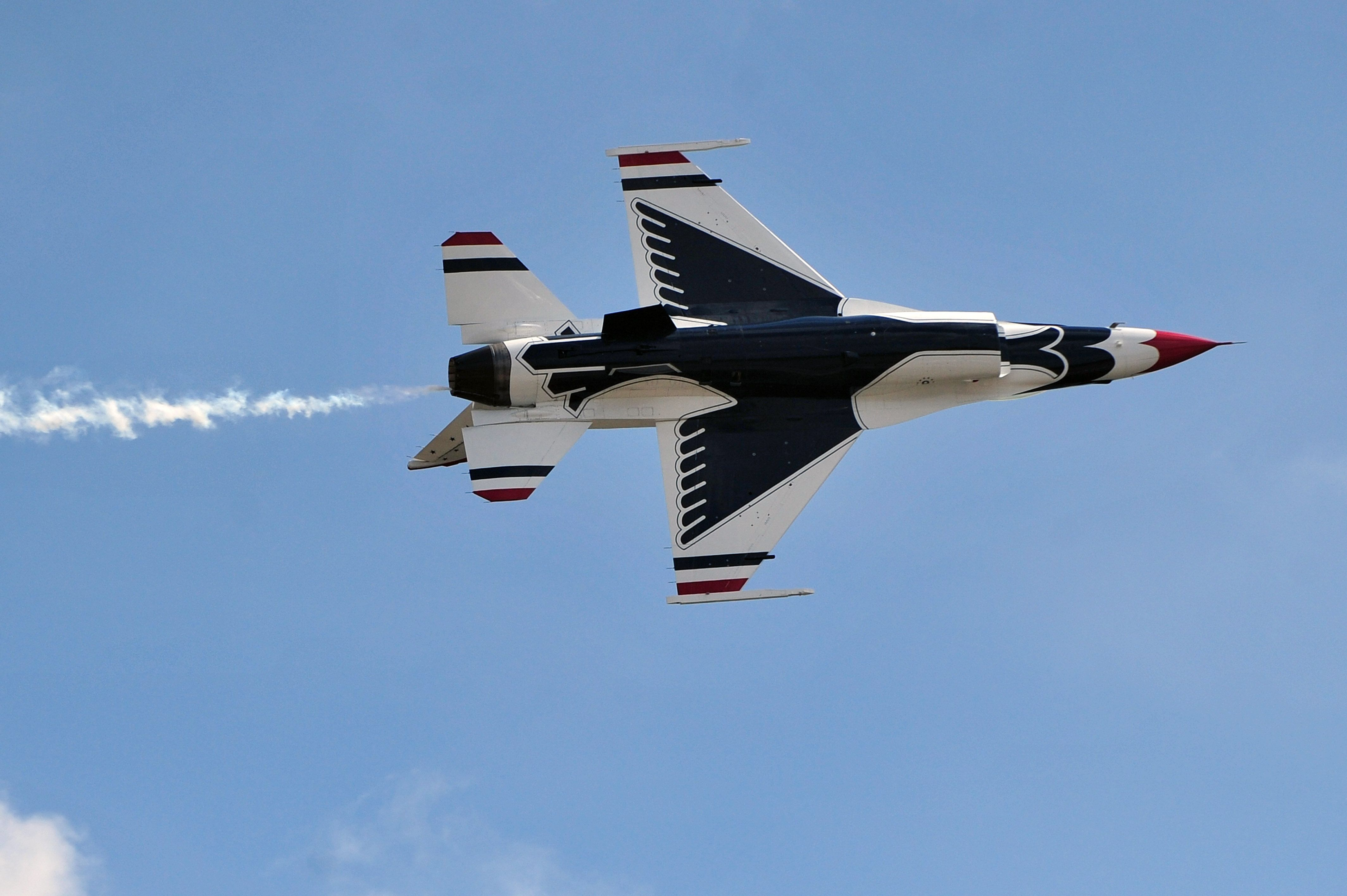 A member of the U.S. Air Force Thunderbirds aerial