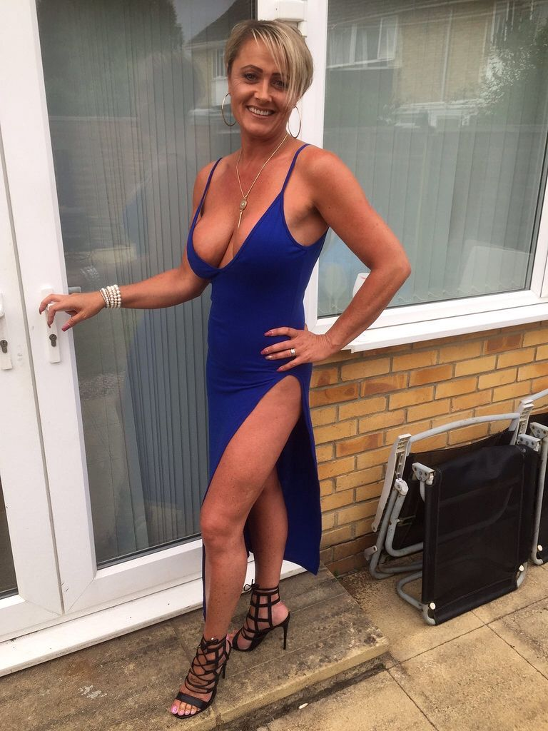 Absolutely stunning #Milf Angel Gorgeous Women, Naughty Wife, Lack, Sexy  Older Women