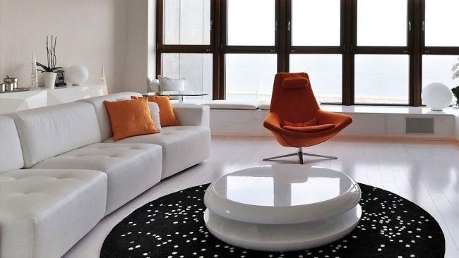 wohnung polen wohnzimmer weiß orange akzente sessel Modernes - wohnzimmer weis modern