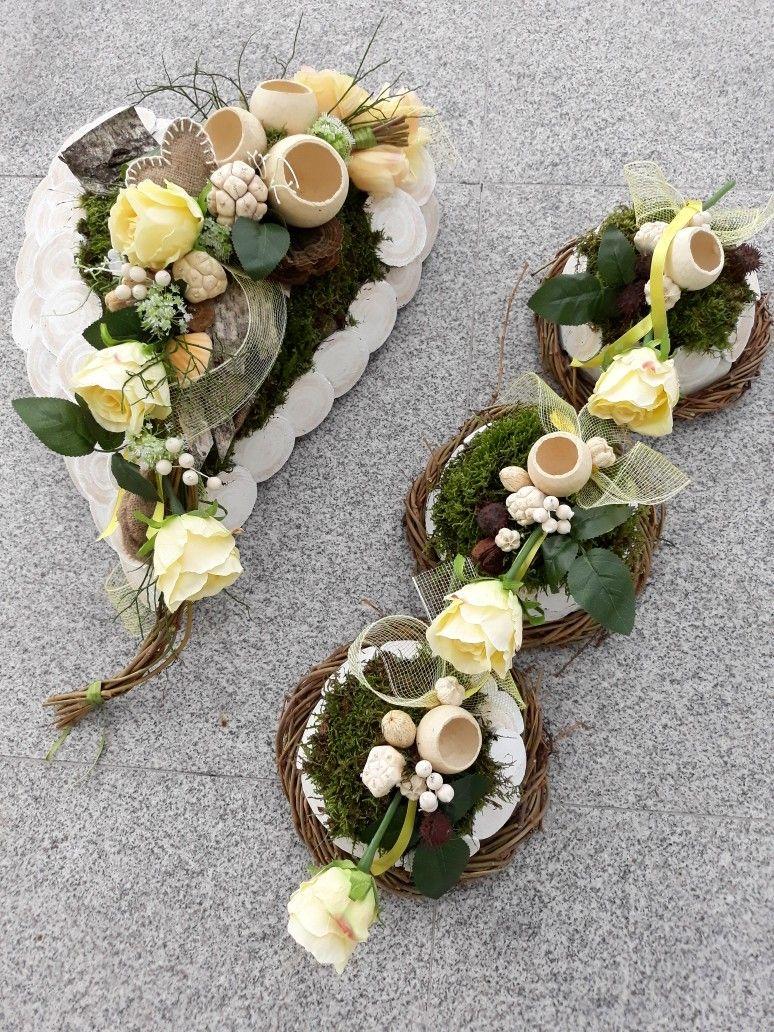 Dekoracja Nagrobna Florystyka Funeralna Wszystkich Swietych 1 Listopada Funeral Flowers Spring Easter Decor Cemetery Flowers