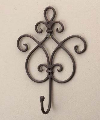 Wrought Iron Wall Hooks Decorative Wrought Iron Hooks Sharing Interior Designs Archit Con Imagenes Hierro Forjado Decoracion Decoracion En Hierro Estanteria De Hierro