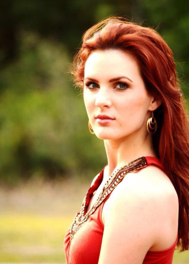 Sarah Harris - lead singer of the Trinity River Band