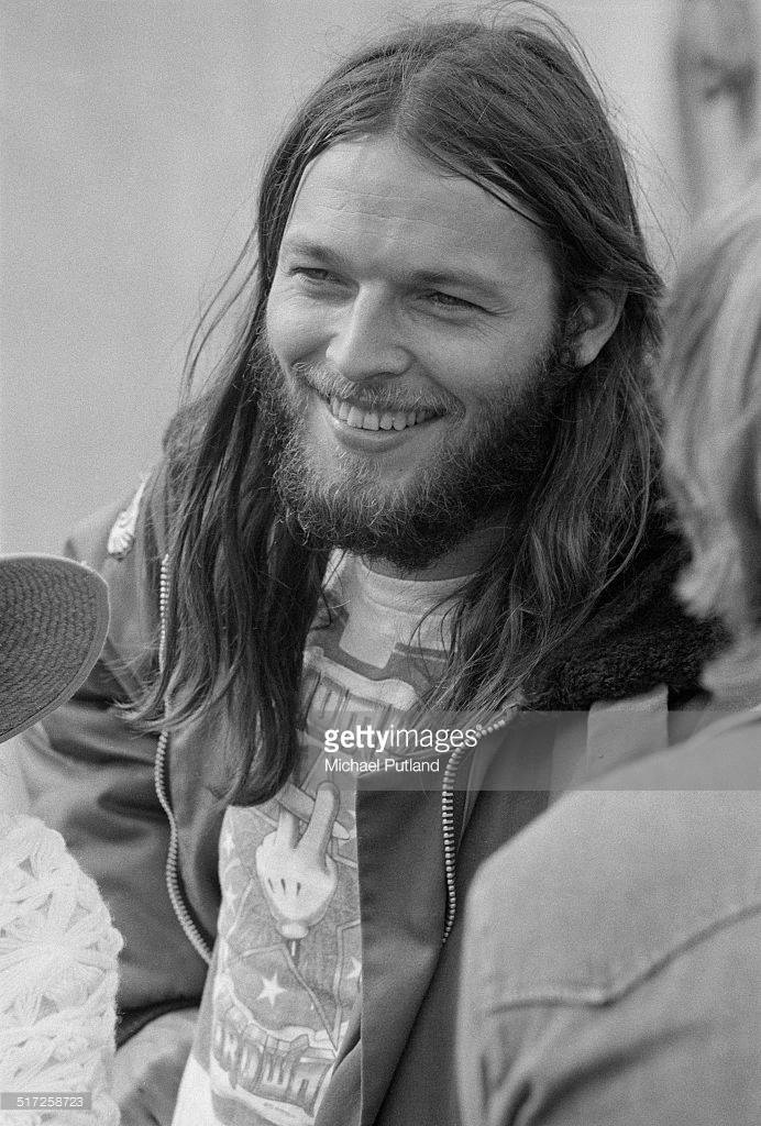 David Gilmour (Pink Floyd) by Michael Putland.