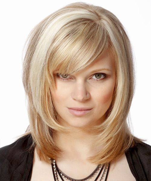 Medium Straight Light Champagne Blonde Hairstyle With Side Swept