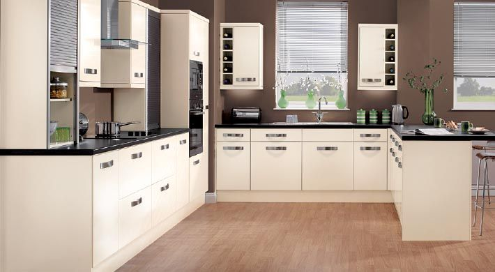 strata gloss cream kitchen units - magnet kitchens to suit all