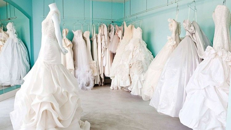 5 Websites For Buying Or Selling Gorgeous Used Wedding Dresses Abc News Abc Buying Dresses Gorgeous News Selling Websites Wedding 2020