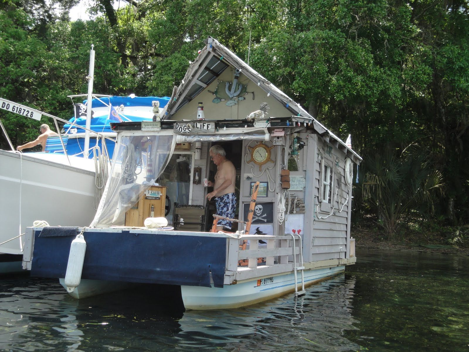 houseboat images ten super cool tiny houses shelters treehouses and houseboats - Small Houseboat