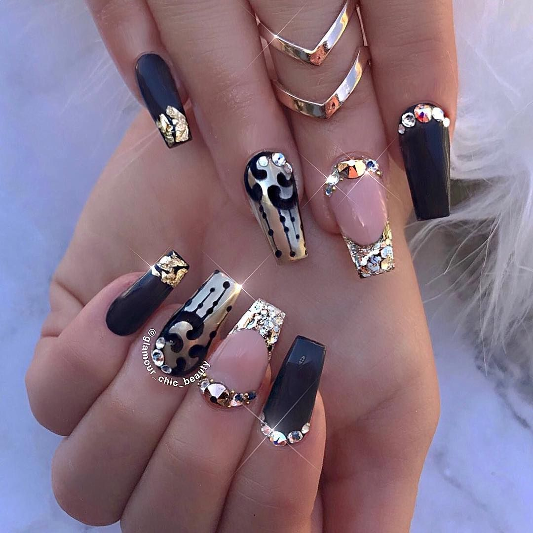Black u gold nails via luxury nail lounge glamourchicbeauty