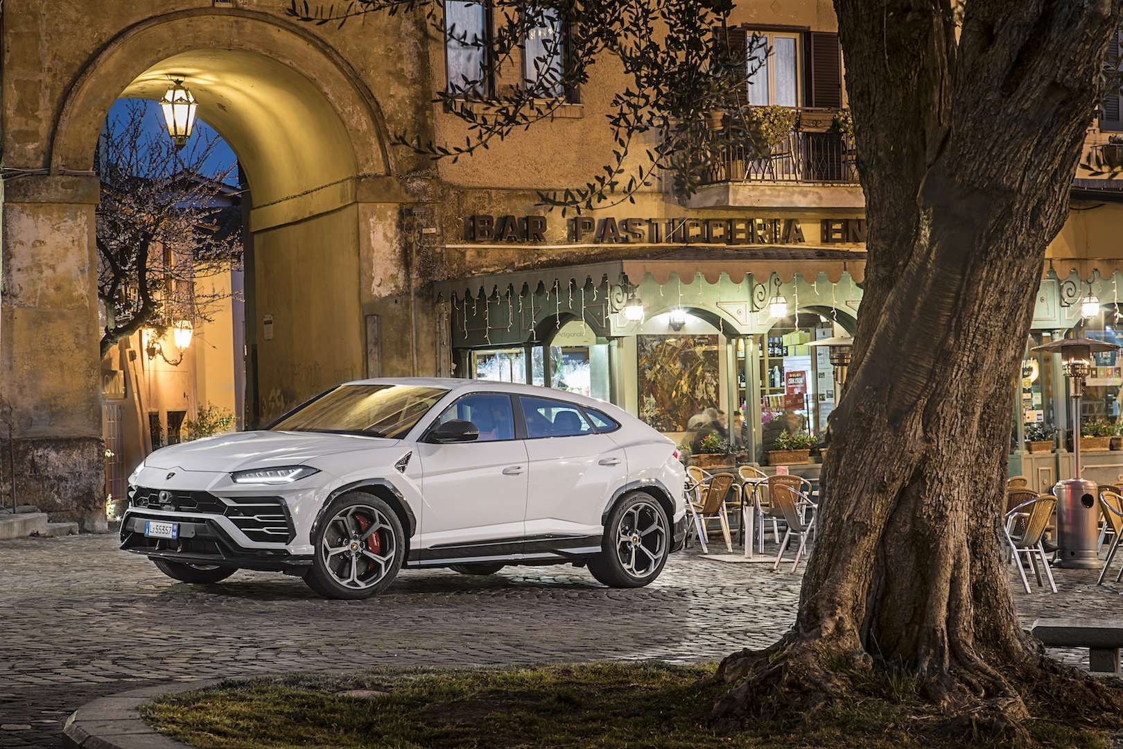Lamborghini Urus First Drive In Italy Lambo Sets A Sizzling Standard For Suv Performance Suv Lambo Driving In Italy