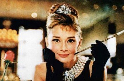 Il timore di perdere la persona a cui tieni di più non dovrebbe indurti a rinunciare all'amore. Perché guardi a destra e a sinistra prima di attraversare la strada? Per paura di essere investita. Eppure, continui ad attraversare la strada. Audrey Hepburn