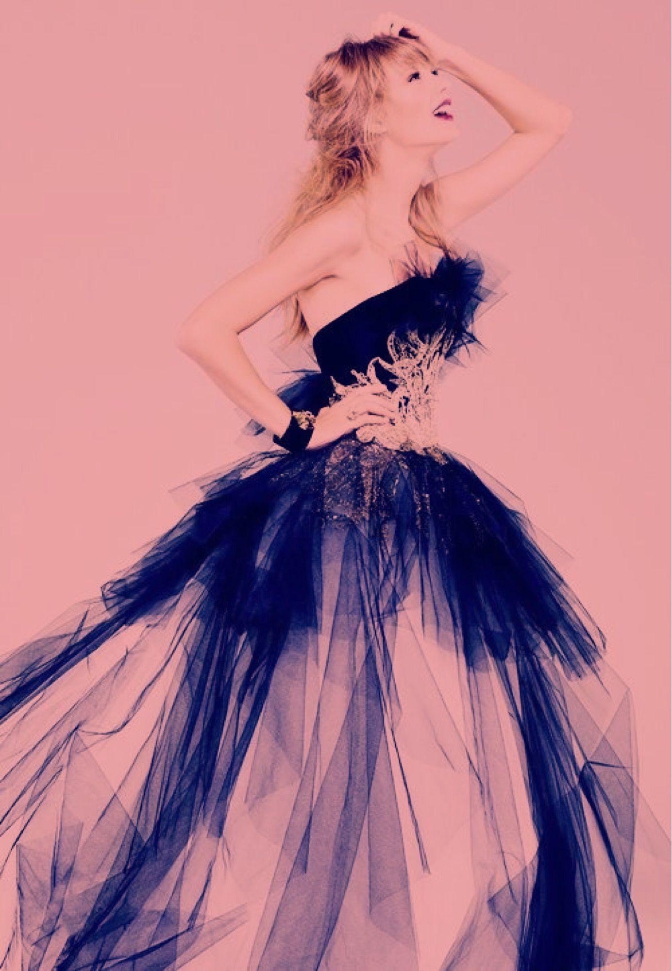 Taylor Swift duo tone portrait | Taylor | Pinterest