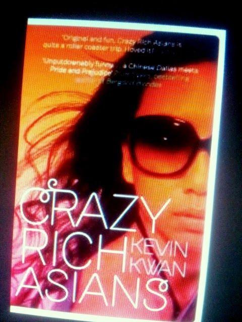 Nenä kirjassa: Crazy Rich Asians / Kevin Kwan